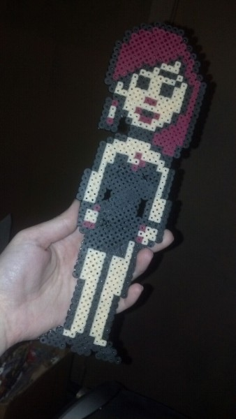 emmadreamstar:  NES Maniac Mansion's Razor, large pixel art magnet I made for a friend as a gift. she loved it :)  Loooove.