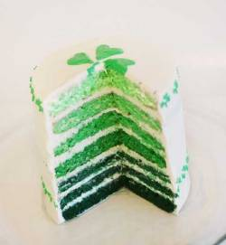 "truebluemeandyou:  DIY St. Patrick's Day Ombre Cake. St. Patrick's Day is March 17th and I live near a city that holds one of the largest St. Patrick's Day Parade with a selected ""Colleen"", so that day is actually very big here. Tutorial from I am Baker here. *No recipe but you can a get a recipe for cake anywhere.  so… this should be my birthday cake, y/y?"