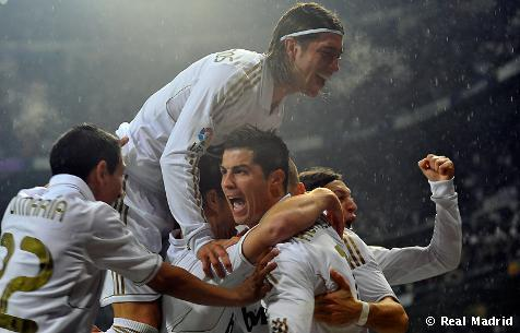 El Real Madrid no juega… EMOCIONA! ♥ Feb, 24th 2004-Feb, 24th 2012… 8 years of true LOVE  Hala Madrid PARA SIEMPRE ! ♥