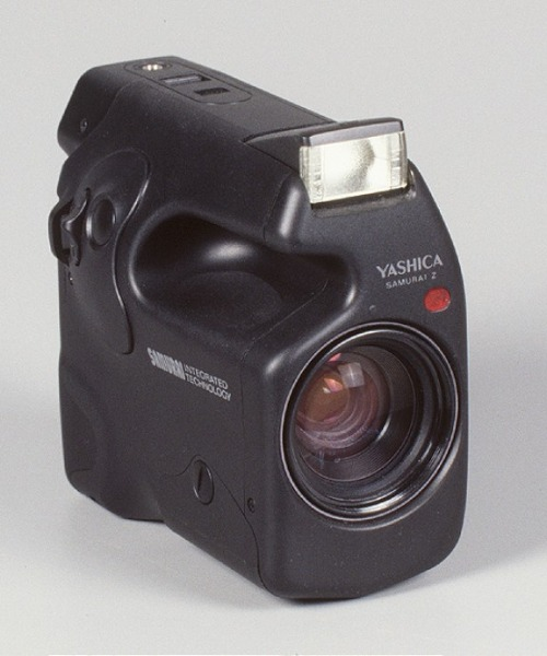 Yashica Samurai Z I need/want this!!! (via Lomography)