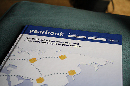 stuckatdisneyland:  bohemiansoul:  omfg this is awesome. my schools yearbooks are always shit  woah i really wish my school did this as their yearbook