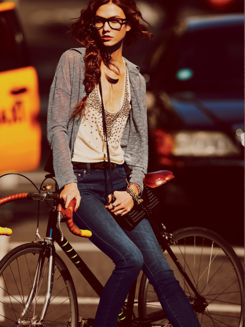delightfulcycles:  NY (via Show Me a Bike)  reblogging an oldy but a goody