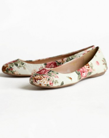 Roses In The Garden Floral Flats, $33 at Shopruche.com :)