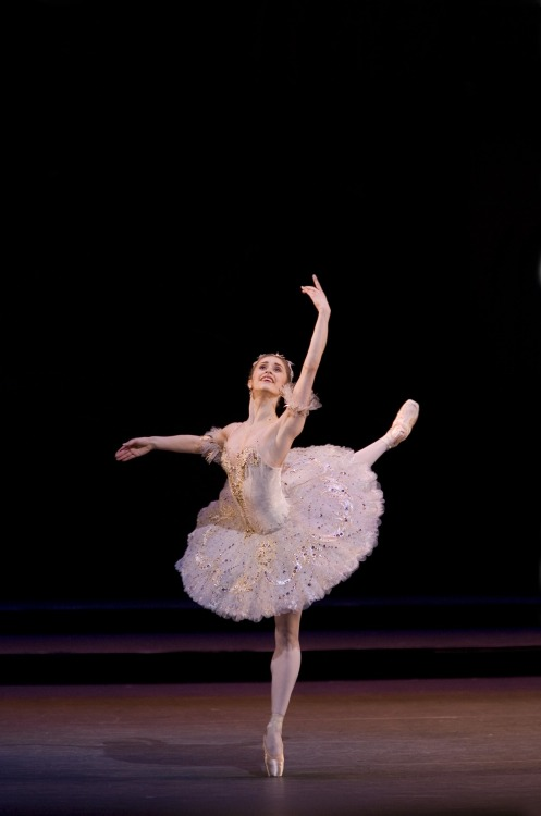 theballetblog:  Marianela Nunez as Aurora in Sleeping Beauty - The Royal Ballet