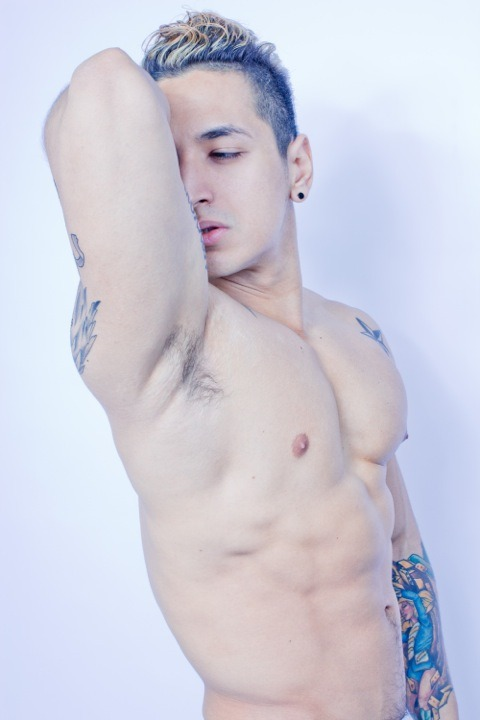 Eddy Barrena aka @EddyRingmaster  :: #hot #hott #hottt THIS PHOTO is ABSolutely perfect imho. I can even smell the manly odor of musty sweat pheromones in his armpit.  Just a hint of a treasure trail, too.  (I like this amount of beefy-ness… 8% bodyfat is way more attractive than 3% bodyfat!!)  WHO ?  …  ||  #HunkFinder investigates ||  Answer: Eye Candy: Eddy Barrena by Edwin Pabon  (click that for more pics) by Antoine | February 25, 2012