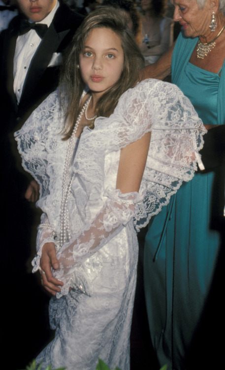 suicideblonde:  Angelina Jolie at the 1986 Oscars
