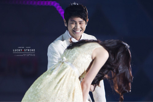 111229 IU and Yoseob (by Lucky Strike)