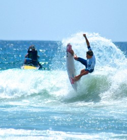 A few reasons why Matt Banting won The Australian Open of Surfing - Manly Beach 2012 - pics by me (Tasty Milk)