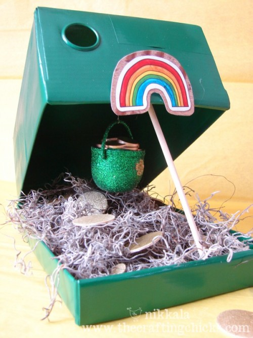 rainbowsandunicornscrafts:   DIY Leprechaun Trap. Where I'm from, everyone is Irish for a day! Tutorial at The Crafting Chicks here.