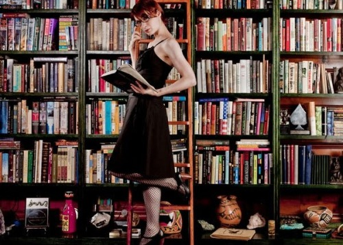 awesomepeoplereading:  Felicia Day reads.