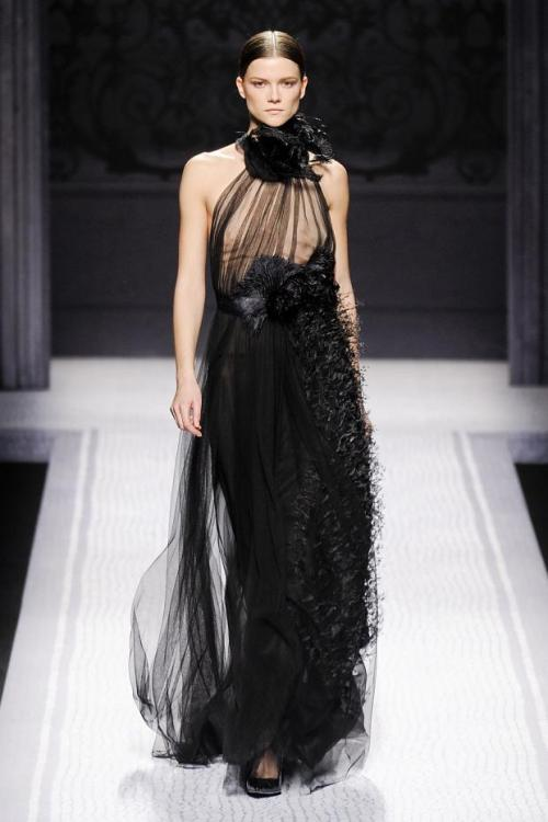 myworldoffashionlooks:  alberta ferretti fall/winter 2012  Omg! I really love it! ♥