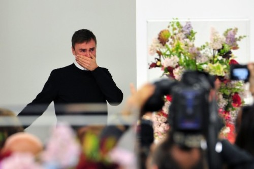 life-ispeachy:  Raf Simons crying at the end of his last show for Jil Sander