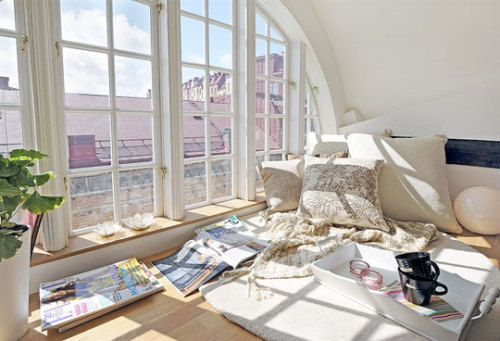 beautyis-skin-deep:  …best window seat ever. alvhem // tx apttherapy
