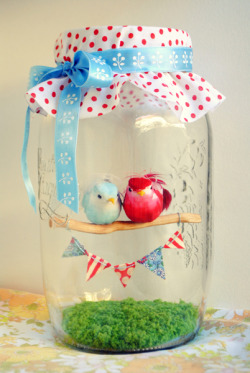 a jarful of sweetness.. love this idea!