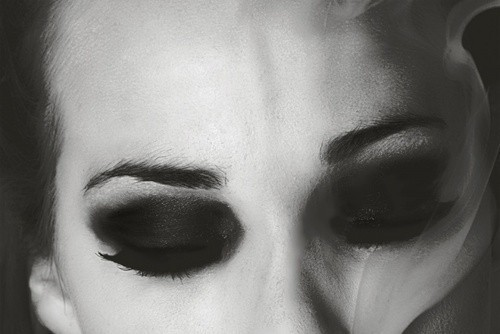 I love dark, heavy eye make up