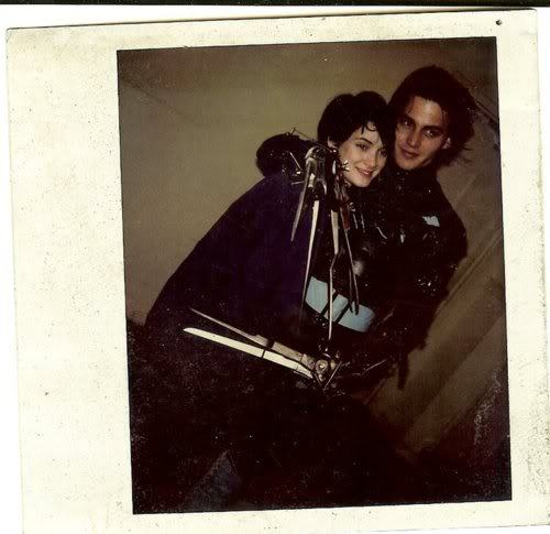 darlingohara:  Winona Ryder and Johnny Depp on the set of Edward Scissorhands