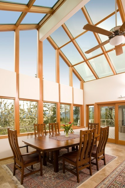 Super, sunny solarium dining room (via by Elizabeth P. Lord - Neil Kelly Company)