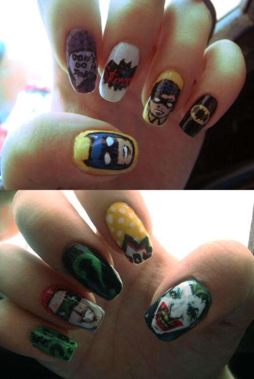 @senhorconfusao e @anthems_antics <3 boringlars:  My Bat-nails One hand was inspired in this photo.