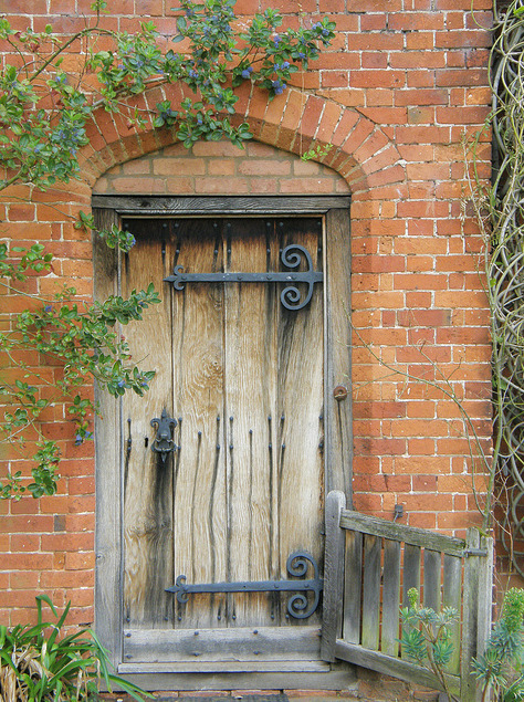abriendo-puertas:  Packwood House.Lapworth, Warwickshire. England. By Sue HJH