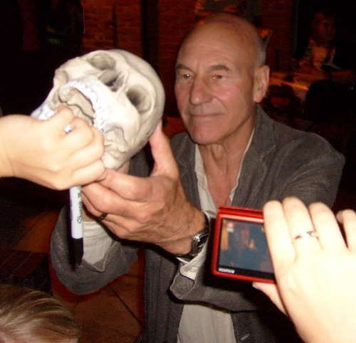 wingwalker:  Patrick Stewart accepts the skull of someone that was sacrificed in his honor
