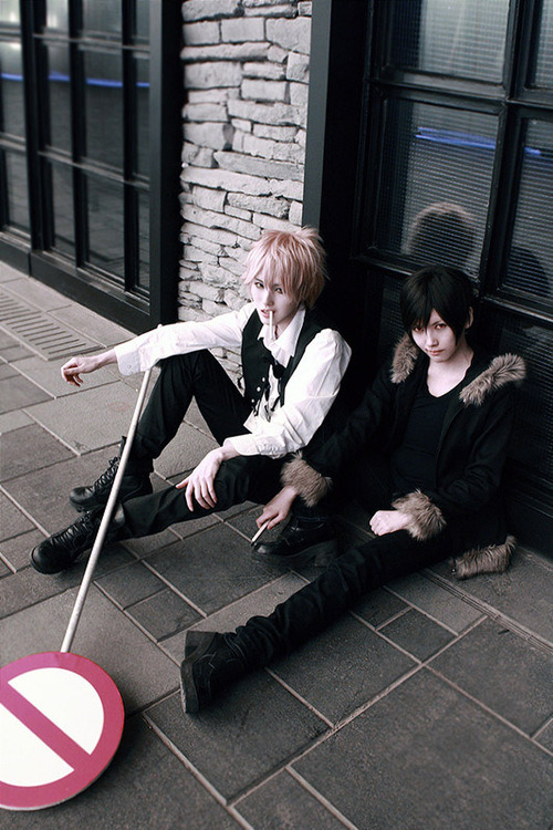 IZAYA and …..i forgot who the blonde one is it…ORIHAYA?