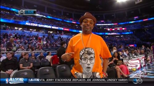 Check-out this Jeremy Lin tee Spike Lee was wearing during NBA All-Star Weekend in Orlando.
