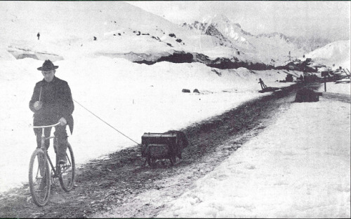 "Klondike Rider (Alaska Randonneur) by AK Rando on Flickr.""…a collection of first-hand accounts by several ""wheelmen"" who, bitten by the bicycle craze of the 1890s, believed that the bicycle was a logical vehicle to use in Alaska during the wintertime."""