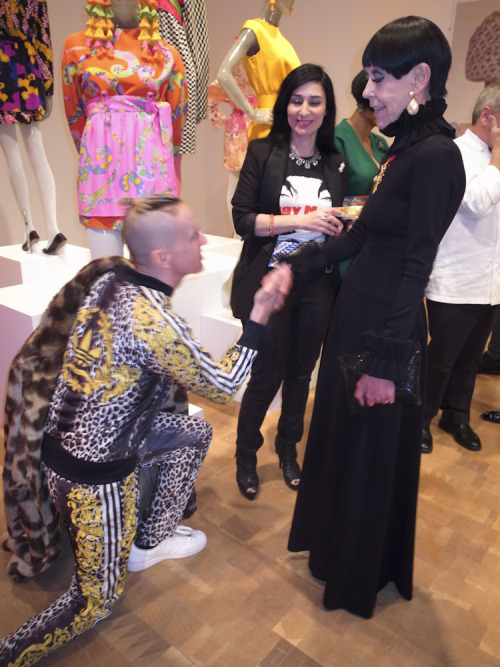 """One fashion icon paying homage to another. Jeremy Scott and the original """"It Girl"""", Peggy Moffit this evening at """"The Total Look: the Creative Collaboration Between Rudi Gernreich, Peggy Moffitt and William Claxton"""", at Moca Pacific Design Center. Photo by Brad Elterman"""