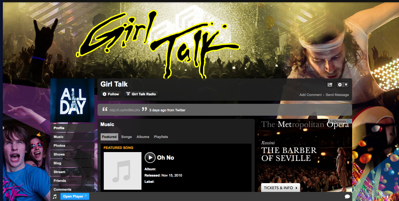 Amazing google ad combo: @MetOpera on a @girltalk page… For a sec, I thought the crowds were the same.