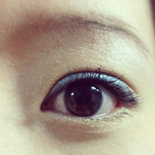 Blue eye makeup <3