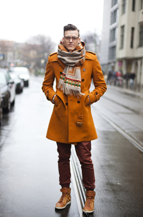 (via glamcanyon: berlin: orange winter)