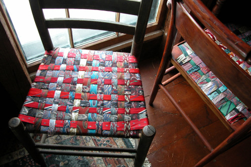 unconsumption:  Clever DIY project du jour: Make chair seats from old neckties For how-to, see Mag Ruffman's ToolGirl blog here. Related (kind of): Chair seats and backs made from vintage belts — here, here, and here. And some earlier Unconsumption tie-related posts here.
