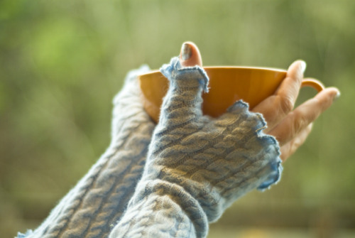 (via CRAFT Pattern: Quick and Cozy Fingerless Mitts @Craftzine.com blog)