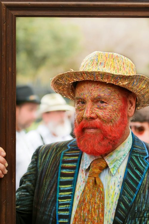 thedailywhat:  Kickass Cosplay of the Day: Vincent van Gogh visits Mardi Gras. [superpunch.]