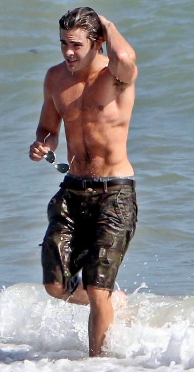 Zac Efron The Lucky One Shirtless zac efron shirtless on...