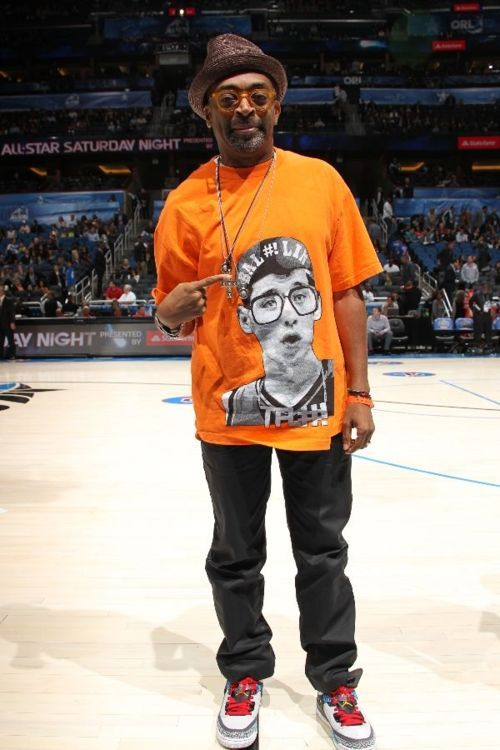 ryan-campbell:  thescore:  Spike Lee's Jeremy Lin Shirt … You know you want one of these.  www.theforestlab.com