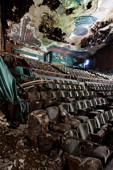 Spectacular Abandoned Theatres and Cinemas of the Northeastern United States