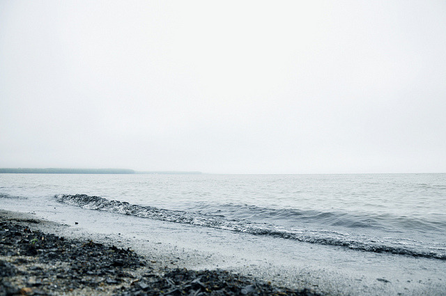 caveo:  Lake Erie by AlisonGamm on Flickr.