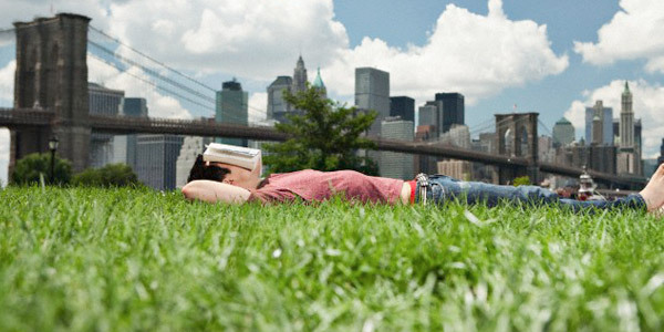"25 Napping Facts Every College Student Should Know  It makes you smarterAccording to Dr. Matthew Walker of the University of California, napping for as little as one hour resets your short-term memory and helps you learn facts more easily after you wake up. Abandon all-nightersForegoing sleep by cramming all night reduces your ability to retain information by up to 40%. If you can, mix in a nap somewhere to refresh your hippocampus. It doesn't mean what you thinkIf you know you have to pull an all-nighter, try a ""prophylactic nap."" It's a short nap in advance of expected sleep deprivation that will help you stay alert for up to 10 hours afterwards. You can't avoid that down period after lunch by not eatingHuman bodies naturally go through two phases of deep tiredness, one between 2-4 a.m. and between 1-3 p.m. Skipping lunch won't help this period of diminished alertness and coordination. Pick the right timeAfter lunch in the early afternoon your body naturally gets tired. This is the best time to take a brief nap, as it's early enough to not mess with your nighttime sleep. Hour naps are greatA 60-minute nap improves alertness for 10 hours, although with naps over 45 minutes you risk what's known as ""sleep inertia,"" that groggy feeling that may last for half an hour or more. But short naps are bestFor healthy young adults, naps as short as 20, 10, or even 2 minutes can be all you need to get the mental benefits of sleep, without risking grogginess. Drink coffee firstThe way this works is you drink a cup of coffee right before taking your 20-minute or half-hour nap, which is precisely how long caffeine takes to kick in. That way when you wake up, you're not only refreshed, but ready to go. The NASA napA little group called NASA discovered that just a 26-minute nap increases performance by 34% and alertness by 54%. Pilots take advantage of NASA naps while planes are on autopilot. Can't sleep? Don't stressEven if you can't fall asleep for a nap, just laying down and resting has benefits. Studies have found resting results in lowered blood pressure, which even some college kids have to worry about if they are genetically predisposed to high blood pressure. Napping may save your lifeA multi-year Greek study found napping at least three times per week for at least 30 minutes resulted in a 37% lower death rate due to heart problems. More nap benefits for the brainNot only will napping improve your alertness, it will also help your decision-making, creativity, and sensory perception. But wait, there's moreStudies have found napping raises your stamina 11%, increases ability to stay asleep all night by 12%, and lowers the time required to fall asleep by 14%. The ultimate napAccording to Dr. Sara Mednick, the best nap occurs when REM sleep is in proportion to slow-wave sleep. Use her patented Take A Nap Nap Wheel to calculate what time of day you can nap to the max. Fight the Freshman 15Research shows that women who sleep five hours at night are 32% more likely to experience major weight gain than those sleeping seven hours. A two-hour nap isn't feasible for many, but napping is a good way to make up for at least some lost night sleep. If it was good enough for them…Presidents JFK and Bill Clinton used to nap every day to help ease the heavy burden of ruling the free world. Of course, they also had other relaxation methods, but we won't get into those. Do like the Romans doIn ancient Rome, everyone, including children, retreated for a 2 or 3-hour nap after lunch. No doubt this is the reason the Roman empire lasted over 1,000 years Don't wait too longThe latest you want to wake up from a nap is five hours before bedtime, otherwise you risk not being able to fall asleep at night. Sugar is not a good substitute for a napWhen we are tired, we instinctively reach for foods with a high glycemic index, but after the initial energy wears off, we're left more tired than we were before. It's a good way to catch upIf it takes you less than five minutes to fall asleep at night, you are sleep deprived. If you never can seem to get to bed earlier at night, a mid-day nap is a great way to catch up on sleep. Underclassmen need more sleepFreshmen and sophomores who are still in your teens: you need up to 10 hours of sleep to feel rested. So odds are, you are sleep-deprived. You'll have to leave the party soonerAfter one school-week of not getting enough sleep, three alcoholic drinks will affect you the same way six would when you are fully rested. Don't drive drowsyDon't be afraid to take advantage of an ""emergency nap"" on the side of the road in your car. Every year, as many as 100,000 traffic fatalities are caused by sleepy people behind the wheel. The Einstein MethodIf you are concerned about sleeping too long, do what Albert Einstein regularly did: hold a pencil while you're drifting off, so when you fall asleep, the pencil dropping will wake you up. (We do not guarantee you will wake up with a 180 IQ.) Missing sleep is worse at your ageFor people ages 18 to 24, sleep deprivation impairs performance more significantly than in other age brackets.  THIS just encouraged me to take a nap today.lol"