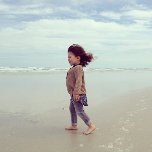alltheloveintheuniverse:  Wind and sand