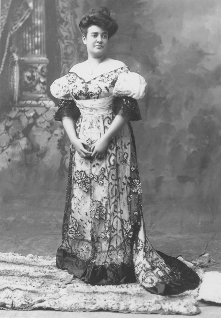 Portrait of Abigail Campbell Kawānanakoa, 1900's Hawaii, Hawaii State Archives And another shot, from Library of Congress:
