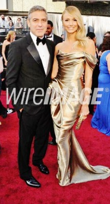 George Clooney & Stacy Keibler on the Oscars Red Carpet.