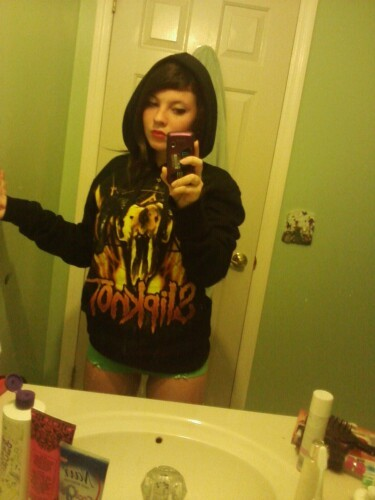 mariahellbunny:  Not the most flattering picture, but yay! Slipknot hoodie is finally mine >:D
