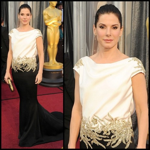 Sandra Bullock in #Marchesa @MarchesaFashion #eredcarpet #oscars  (Taken with instagram)