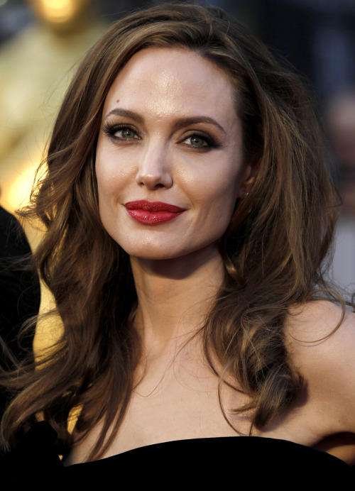 Angelina Jolie @ 84th Annual Academy Awards - Feb. 26, 2012.