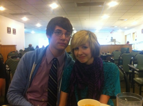 Oh hey, look. It's me and my boyfriend at our annual group dinner. Twas fun, twas fun. He's a keeper. AND MY SHORT HAIR. GOSH IT'S LOVELY. <3 <3 <3