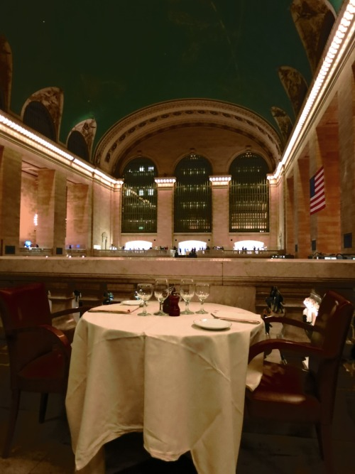 Table for two at Grand Central Station. 02.09.2012