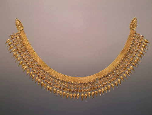 theancientworld:  Necklace, 330-300 BCE, Ancient Greece (?) The Hermitage Museum