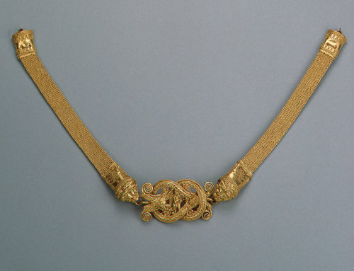 Necklace Decorated with a Herakles Knot, 300-280 BCE, 	  				  			 					 			 			Crimea The Hermitage Museum