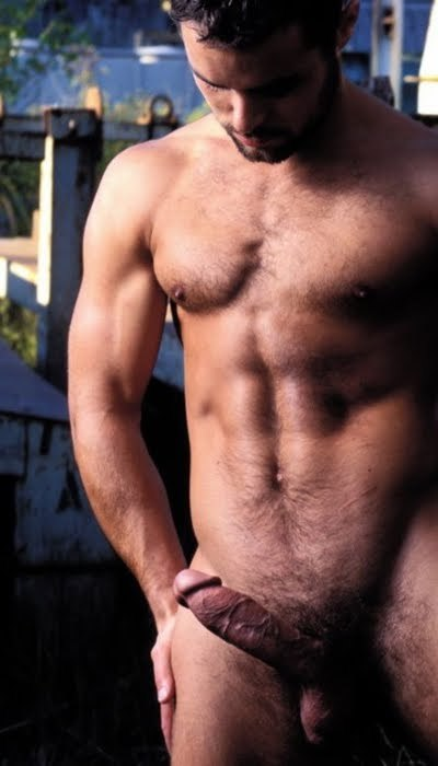 p>harryazz: Beautiful man with a gorgeous veiny cock that I would love to put to use